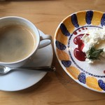 TRUNK CAFE - ホットコーヒー、クレームダンジュ