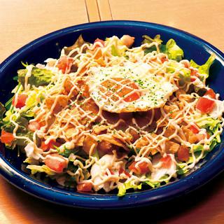 オリジナルメキシコ料理×500円ピザがウリ!