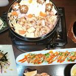 グラシアス - 鶏すき焼きコース。龍のたまごを付けて召し上がり下さい