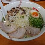 らーめん弥七 - 「塩ちゃーしゅー麺(麺量140g)」+「麺中盛70g」