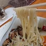 らーめん弥七 - 「塩ちゃーしゅー麺」の麺のアップ