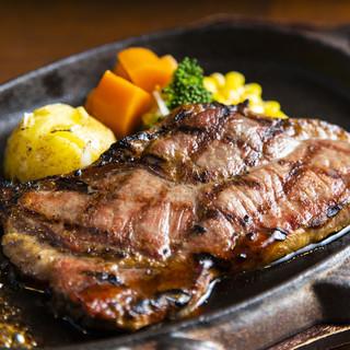 どの食材も美味しく焼き上げる「鉄板焼き」にもこだわりを