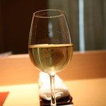 寿司 さ々木 - シャルドネ。これがグラスで頂ける幸せ。