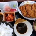 笑多 - 料理写真:チキンカツ定食
