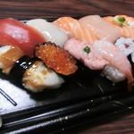 ちよだ鮨 - 料理写真:まつば(961円)