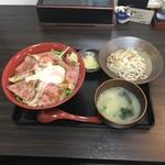 日豪レストラン ゆめや - 丼セット(ローストビーフ丼+ハーフサイズおろしそば)
