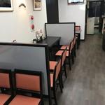 日豪レストラン ゆめや - 店内テーブル&カウンター席