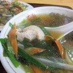 明城飯店 - わかめスープ・・・というには具だくさん(嬉)