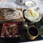那須ちふり湖カントリークラブレストラン - お重と天ぷら御膳