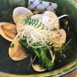 源氏総本店 - 単品の蛤の酒蒸し。本来の季節はもう少し先という味。