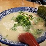 博多ラーメン 鶴亀堂 - 料理写真:とんこつラーメン
