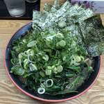 麺家 紫極 - 料理写真:のり・ほうれん草ラーメン 850円 京都九条ねぎ 150円