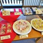 102185025 - 桜餅&うぐいす餅