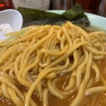 ラーメン壱六家 - 醤油ねぎラーメン(中) 麺アップ