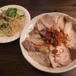 Chai - 料理写真:肉肉肉カレー+辛肉バクダン