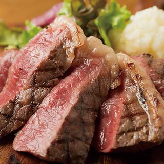 〈全10種〉黒毛牛ステーキが990円から!?お値打ち過ぎる!