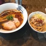 特級鶏蕎麦 龍介 - 醤油そば&豚マヨ丼(750円+250円)