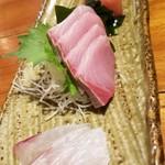 魚哲 - 刺身盛合せ(2人前)(2400円)※一皿目