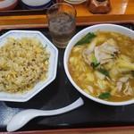 102204650 - スタミナ・ヤキメシセット  930円