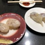 回し寿司 活 - 平貝塩レモン 200円、生げそ 100円