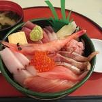 シーフードレストラン うおっせ - 海鮮丼