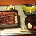 うなぎ・和食処 新泉 - メロンとお新香も付いてます。