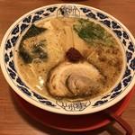 らーめん亀王 - 昔味(2辛)(680円)