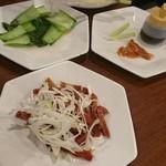 鵬天閣 - チンゲン菜のあっさり炒め、北京ダック、ネギチャーシュー