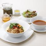 茶語 TEA SALON - アルガンオイルで味わうたっぷり野菜と鶏肉のクスクス