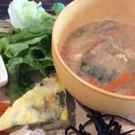 saji - 粕汁、野菜、キッシュ