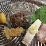 文菜華 - 前菜、ピータン豆腐以外。