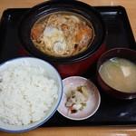 102221786 - 煮カツ定食