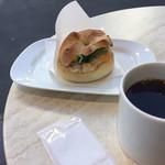 カフェ・ベローチェ - カイザーサンドツナメルト