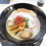 らーめんstand R&R - 料理写真:極濃・鶏白湯