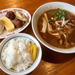 赤跳馬 - 料理写真:中華そばと定食セット。計¥700-