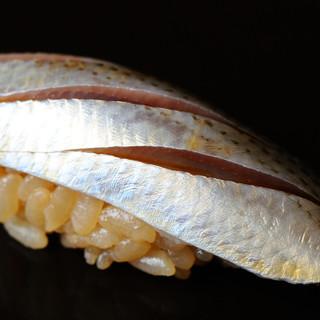 計算し尽くされた江戸前鮨がもたらすのは、至福そのもの
