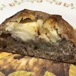 102232781 - くるみの食感とブルーチーズのコク、はちみつの甘みが合わさった抜群の美味しさ!!