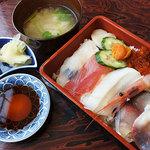 松寿司 - 料理写真:ランチ海鮮丼1000円税込
