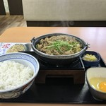 吉野家 - 料理写真:牛すき鍋膳大盛り790円です(2019.2.20)