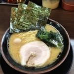 頂キ家 - 料理写真:ラーメン ※醤油、太麺