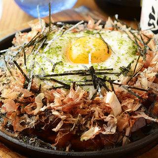名古屋飯をはじめ、九州や各地の名物料理を多彩にご用意!