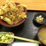 新湊きっときと市場 - 海鮮天丼1600円。
