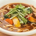 カド珈琲 - たっぷり野菜のスープカレーうどん\900(税抜き)
