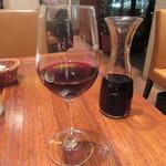 イケブクロ ラ・ベットラ・ダ・オチアイ - 赤ワインをデキャンタで