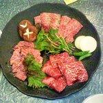焼肉茶屋 牛華 - 料理写真:特選カルビ、厚切りサーロイン、牛タン