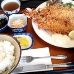 レストラン よし川 - ジャンボエビフライ定食