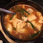 韓国家庭料理 唐辛子 - スンドゥブ