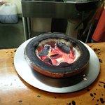 成吉思汗 だるま - 最初から炭に火がついており、この上に鍋、乗っけます