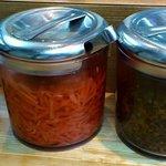 10228975 - 左から、ゴマ、紅ショウガ、辛子高菜。