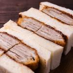 銀座サンド  - ソースカツサンド(ポーク) 国産豚ロース16枚重ね